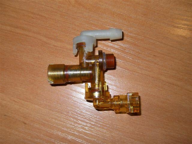 Zawór 4-drożny do ekspresu Electrolux EEA110